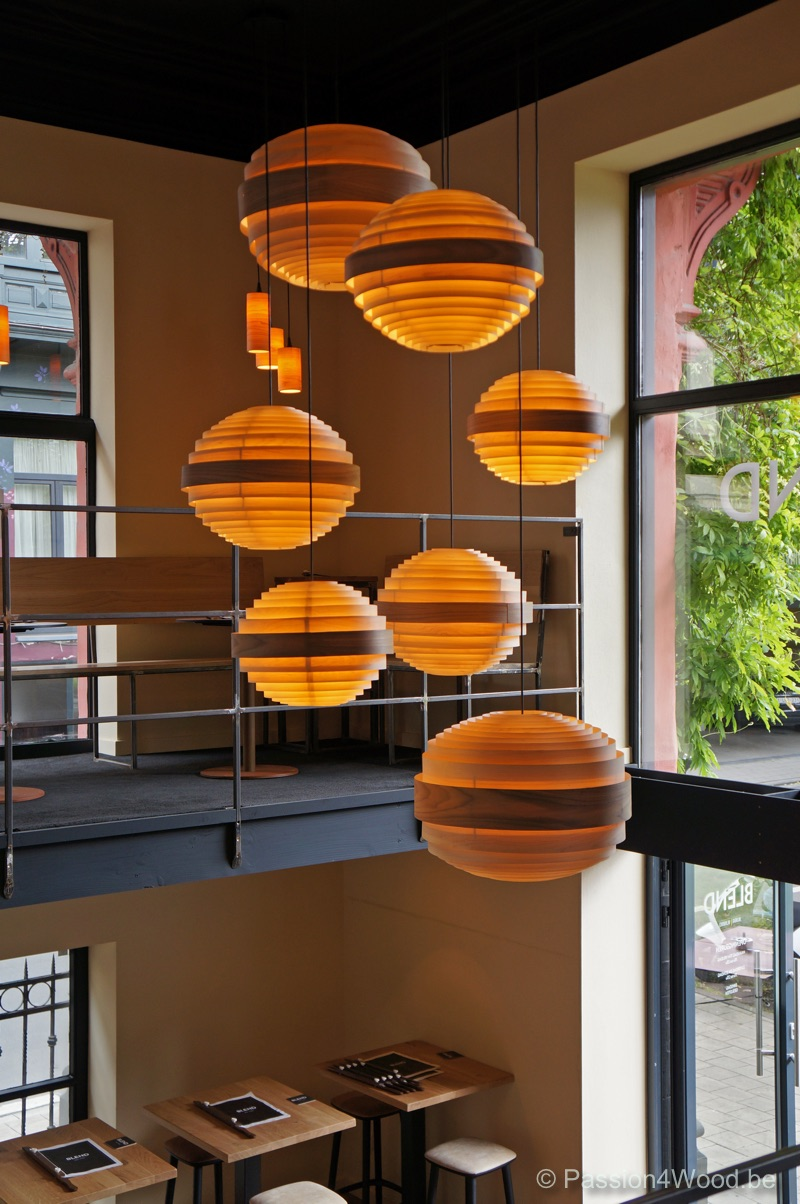 Blend Gent winebar - Sphere lamps in maple wood 1