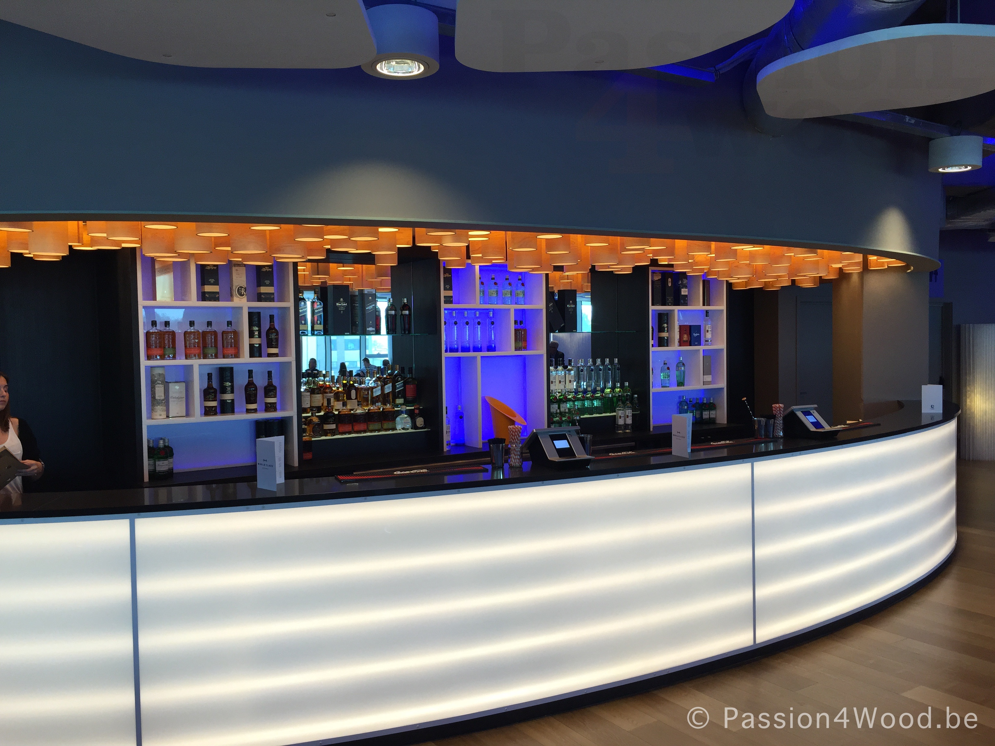 Kaa Gent Ghelamco lounge - Bar - more than 200 tube lamps mounted as ceiling lights giving a fantastic sculptural experience 2