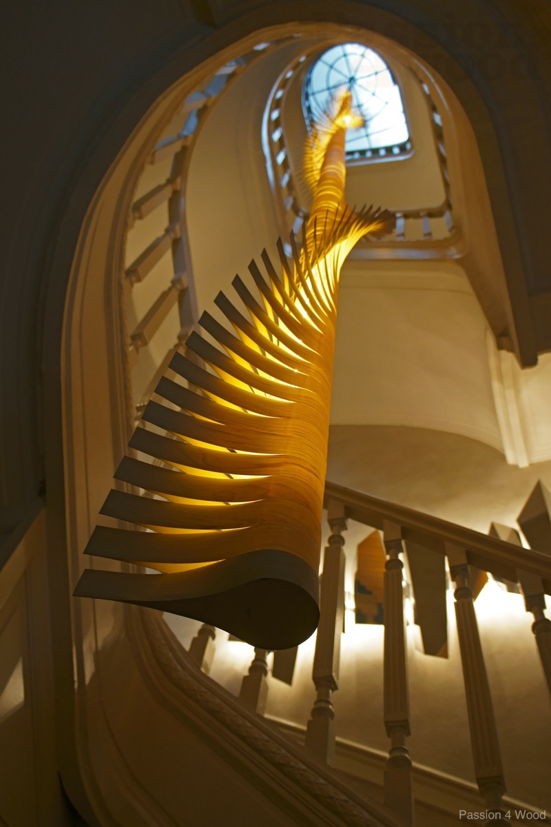Helix spiral - sculptural lighting - Passion 4 Wood - mike Vanbelleghem - onder aanzicht