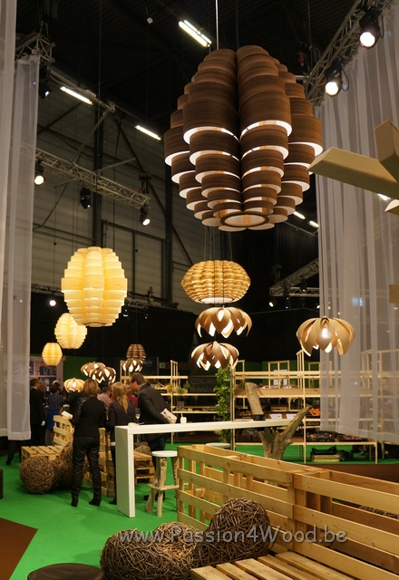 Horeca_beurs_2012_chefs_place_Tulip_and_glow_in_wenge_-_pine_-_maple_-_walnut_wood_-_6 - lampen in hout voor iedere habitat